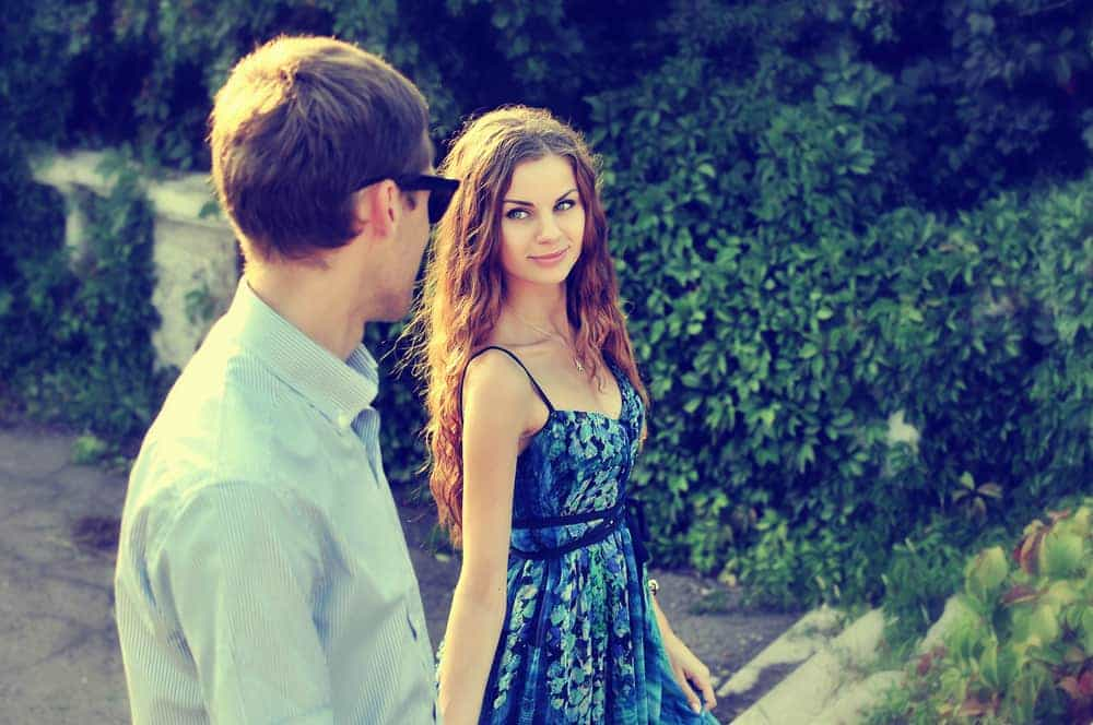 How To Know If A Guarded Guy Likes You